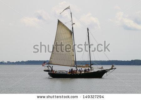 Two Masted Schooner Lizenzfreie Bilder und Vektorgrafiken kaufen.
