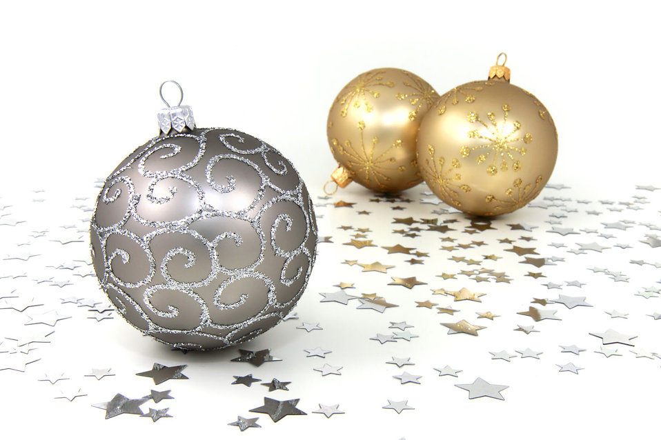 Free Christmas Silver And Gold Ornament Clipart.