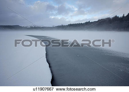 Picture of England, Devon, Burrator. Freezing fog above Burrator.