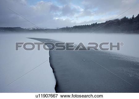 Picture of England, Devon, Burrator. Freezing fog above Burrator.