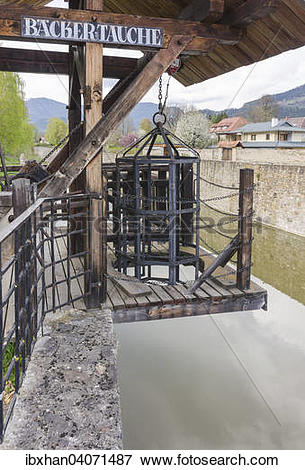 """Picture of """"Backertauche pillory at the town moat, Friesach."""