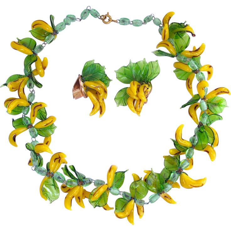 1000+ images about Vintage Glass Fruit and Flower Necklaces on.