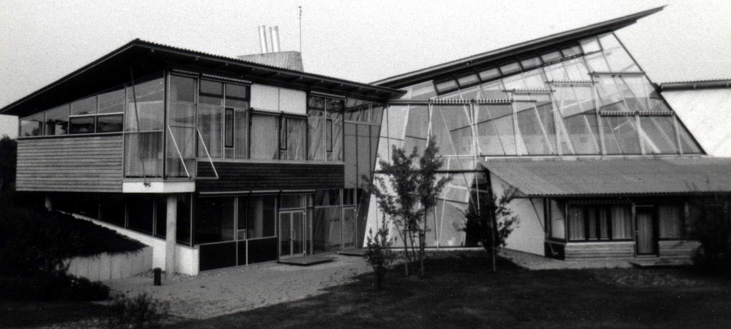 Gunter Behnisch,Hysolar Institute Building, University of ….
