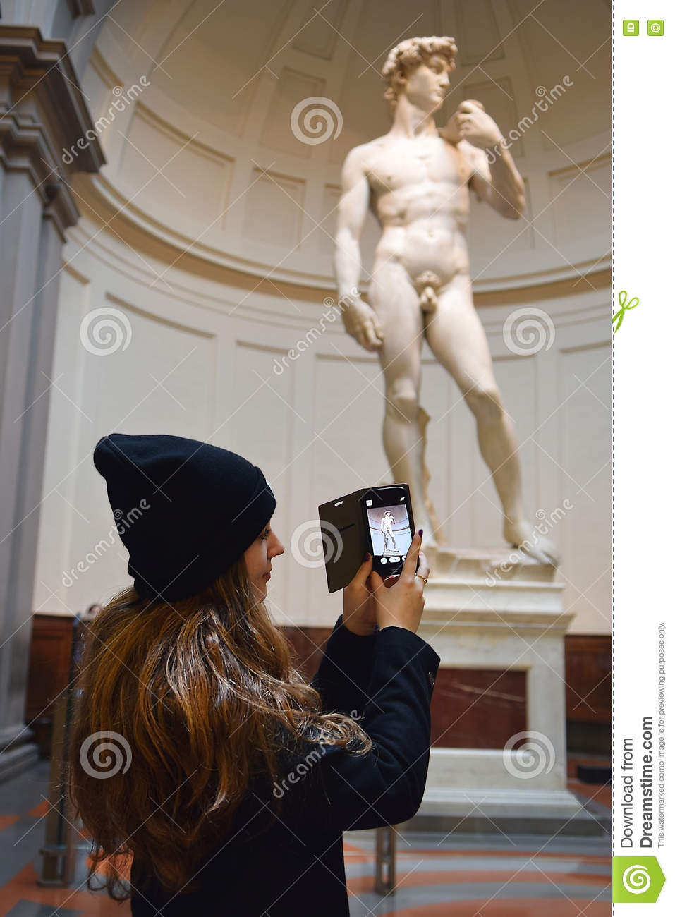 Girl Take Photos David By Michelangelo In Galleria Dell Accademia.