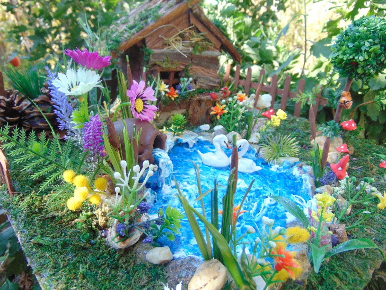 Garden decor duck clipart.