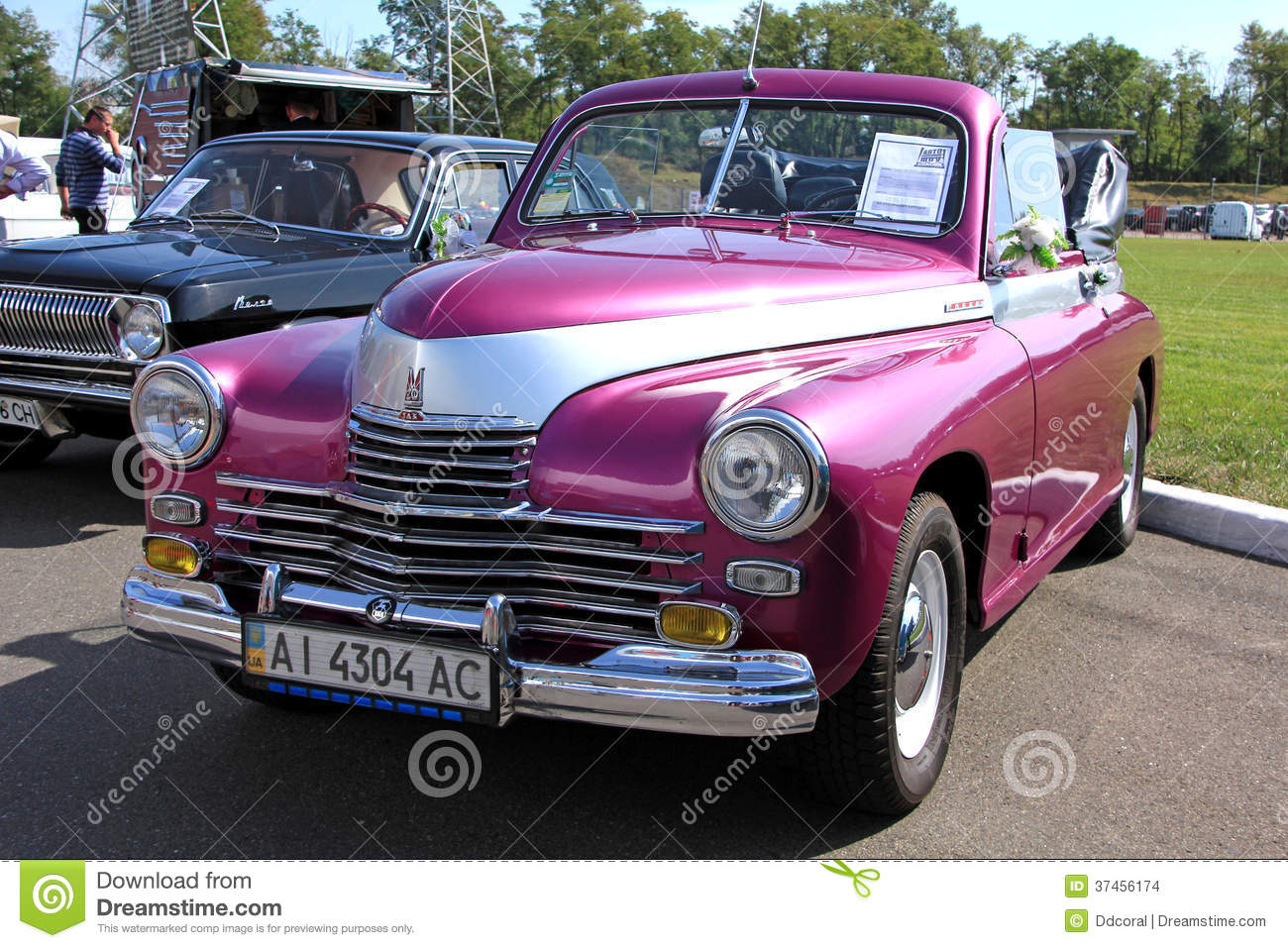 Retro Auto Show. GAZ M20 Pobeda (Soviet.