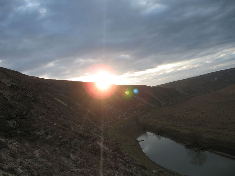 Râul Răut.