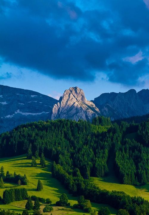 inhasa: Mount Geiselstein.