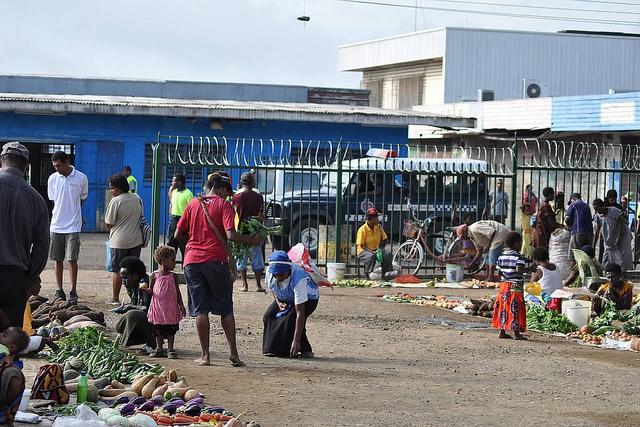 Gerehu market, Port Moresby (UN Women Papua New Guinea/Kim Eaton.