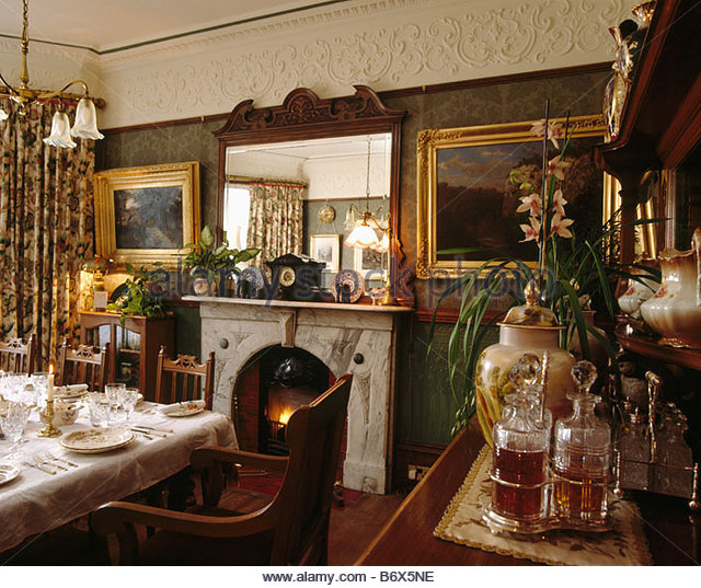 Mirror Above Fireplace In Dining Stock Photos & Mirror Above.