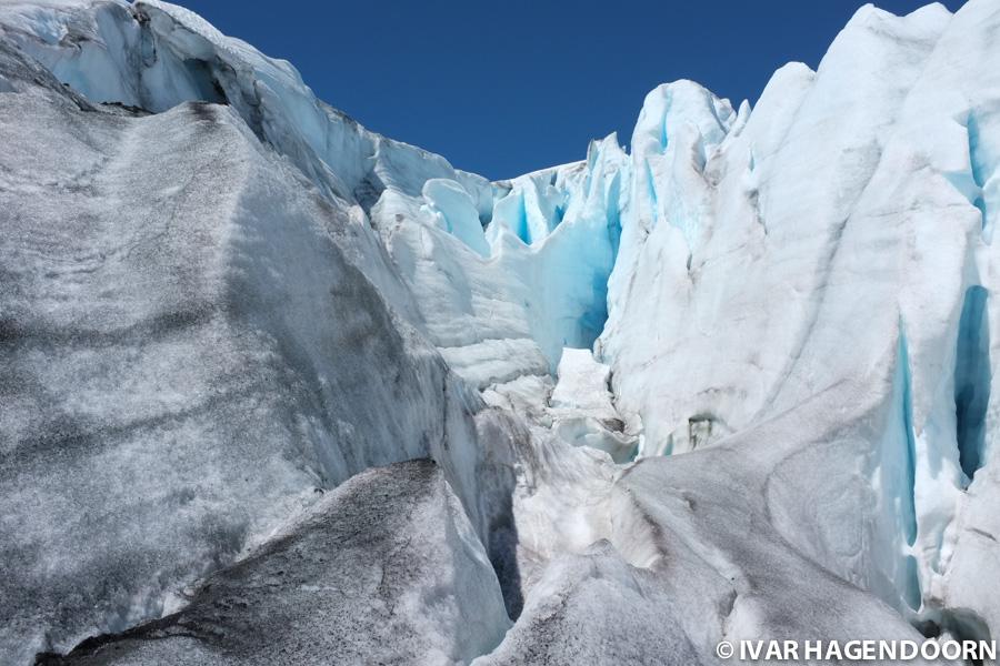 Svellnosbreen Glacier.