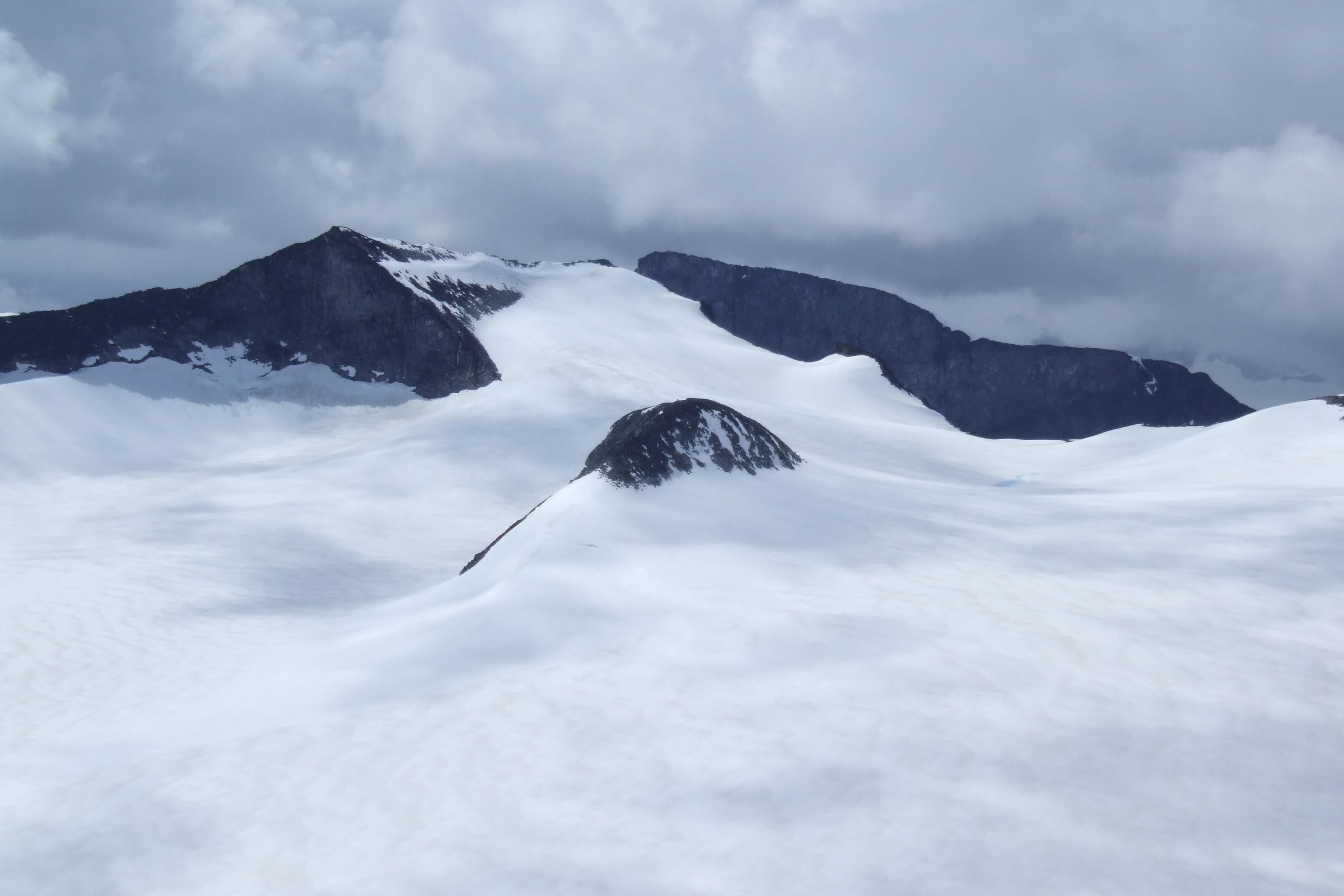 File:Glacier Svellnosbrean in Jotunheimen.JPG.
