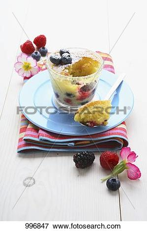 Picture of Summer berry pudding in glass 996847.