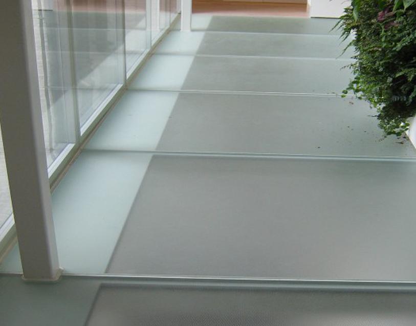 Glass Floors & Walkways.