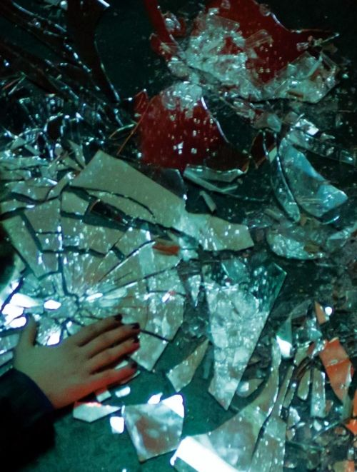 1000+ ideas about Shattered Glass on Pinterest.