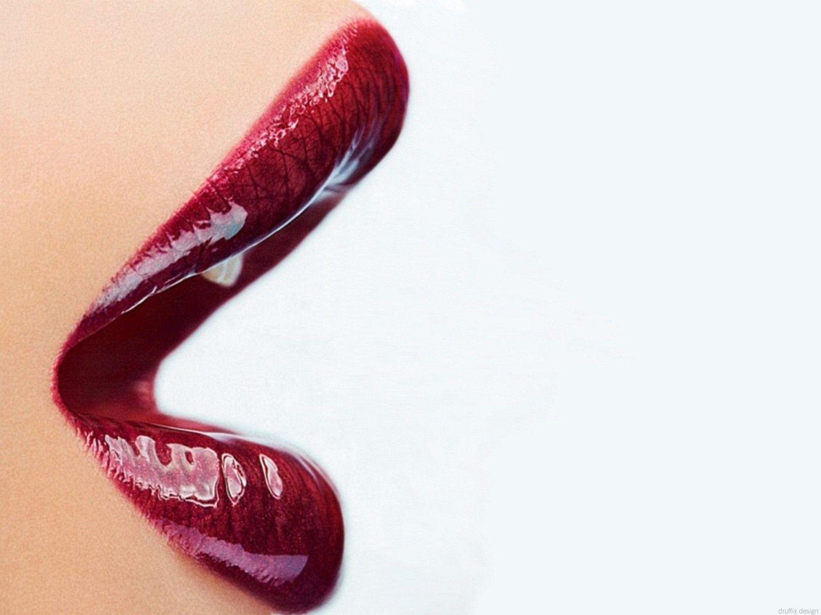 Red Lips Wallpaper.