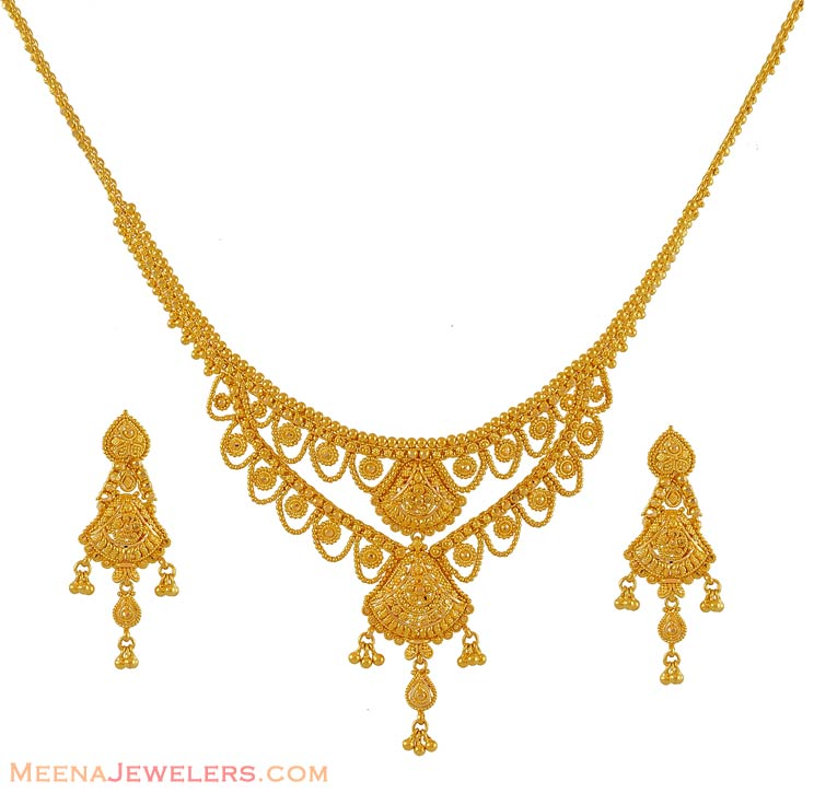 Gold Necklace Clipart.