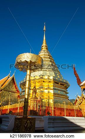 Pictures of Golden pagoda,wat phra phat doi suthep at Thailand.