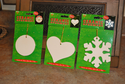 Easy Dollar Store Craft: Sharpie Decorated Christmas Ornaments.