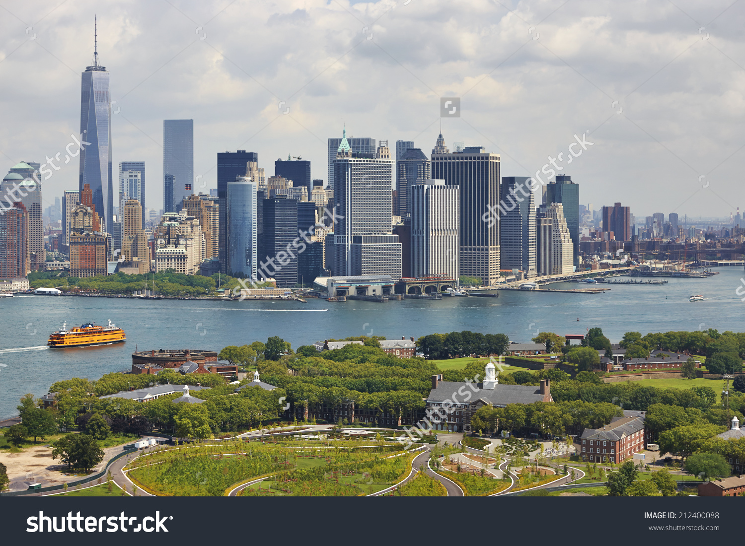 Aerial View Manhattan Governors Island New Stock Photo 212400088.