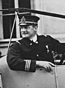 Korvettenkapitän Emmerich Graf von Thun und Hohenstein.