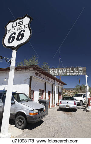 Pictures of USA, New Mexico, Grants. Garage on Olde US Route 66.
