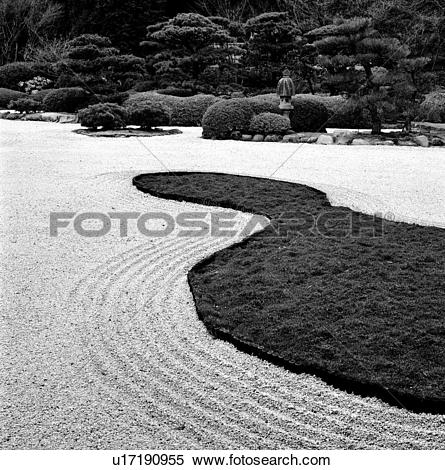 Stock Image of Design in Gravel Bed at Japanese Garden u17190955.