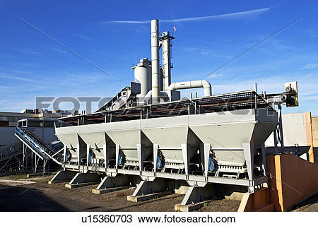 Stock Photo of gravel plant u15360703.