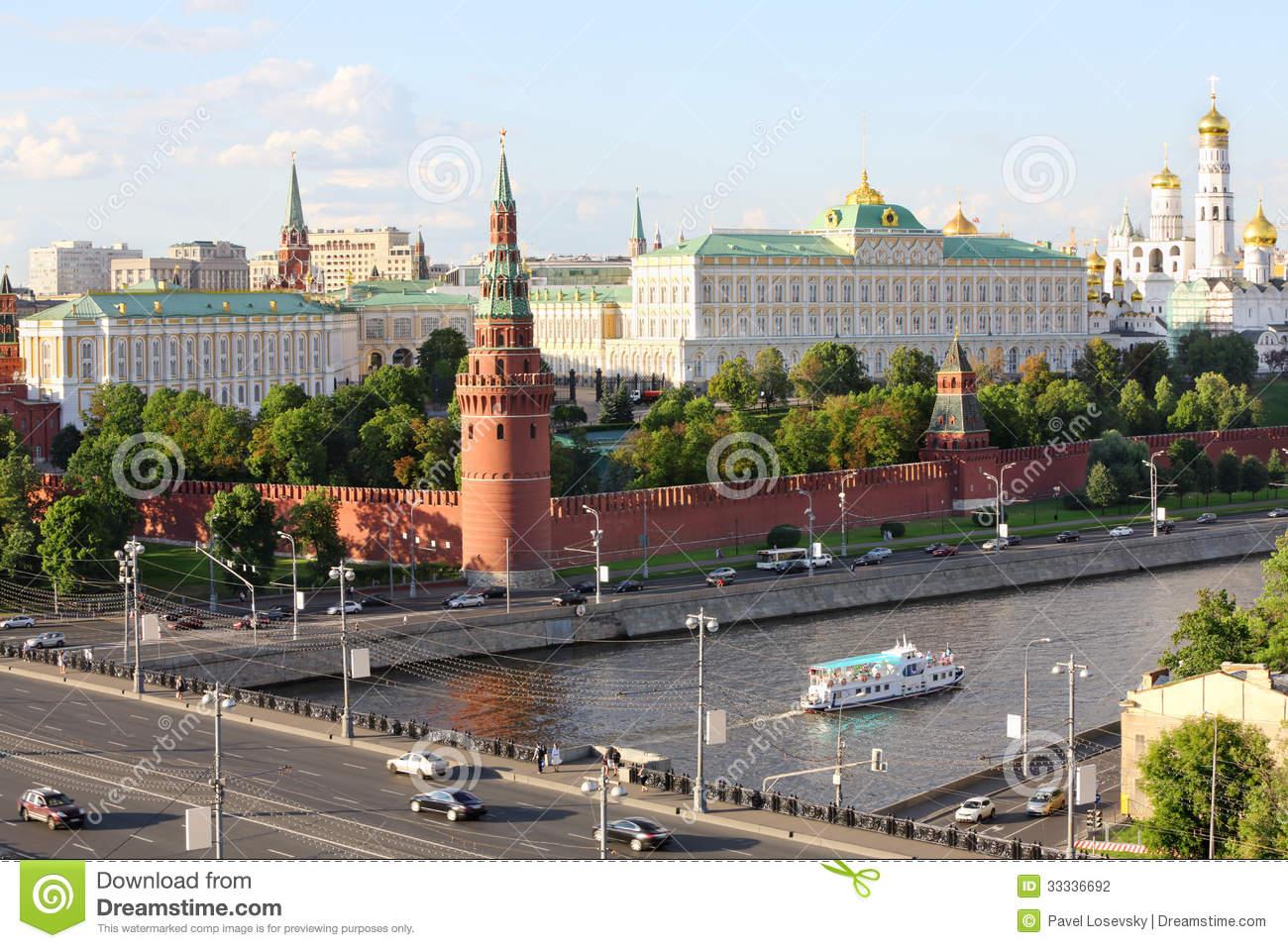 Ship On Moskva River, Vodovzvodnaya Tower Of Kremlin Stock.