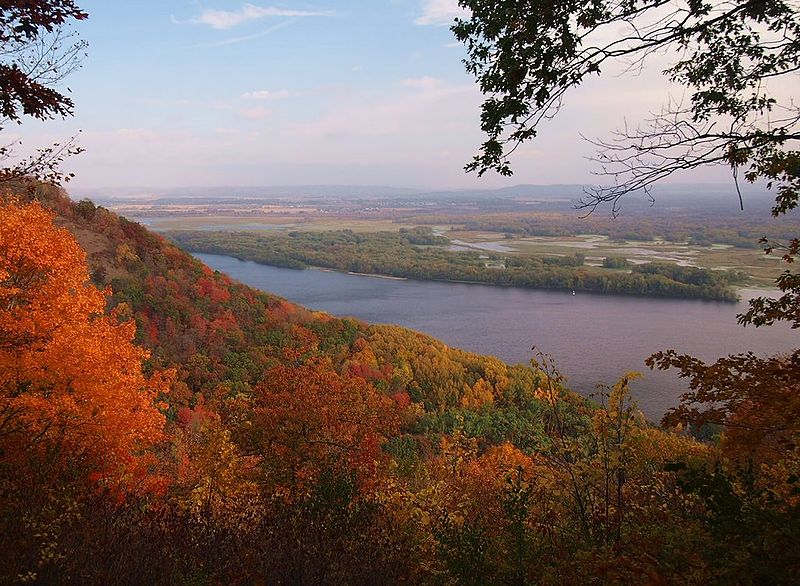 7 of the HOTtest Spots for Fall Colors in Minnesota.