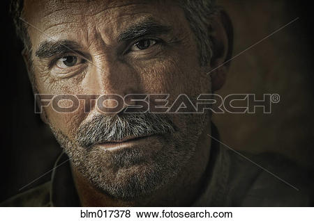Pictures of Caucasian man's grizzled face blm017378.