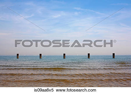 Stock Image of Groynes in the sea, Chicago is09aa6v5.