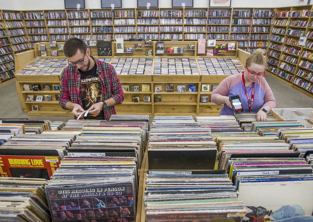 Half Price Books opens Monday in Mishawaka and does more.