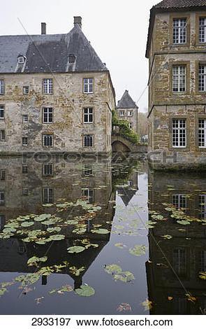 Picture of Wasserschloss Tatenhausen, Halle, Germany 2933197.