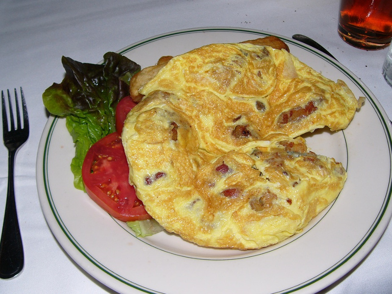 Hangtown Fry Recipe (American oyster and bacon omelet).