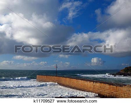 Picture of Porthleven Harbour Entrance k11709527.