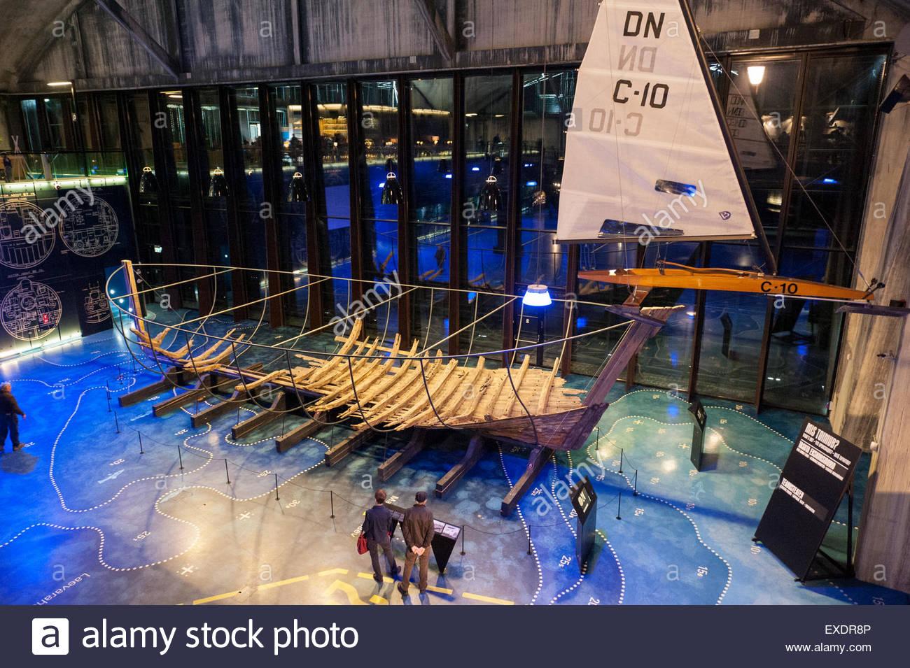 16th Century Ship Stock Photos & 16th Century Ship Stock Images.