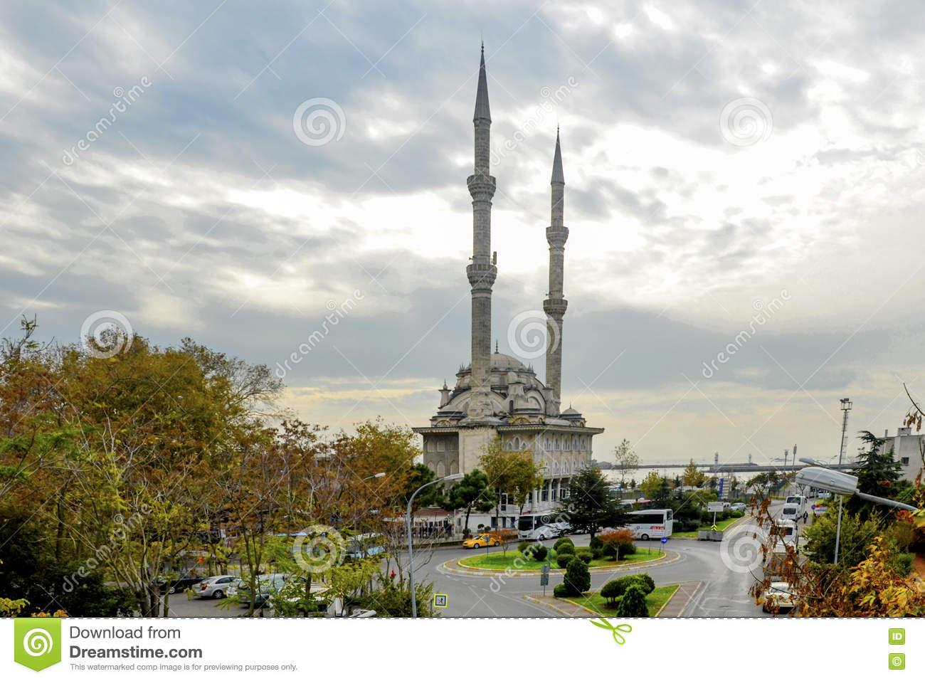 Istanbul, Kadikoy Pier. Protocol Haydarpasa Mosque I Editorial.