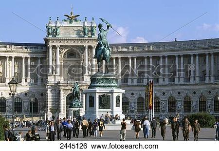 Stock Images of Tourists in front of government building, Neue.