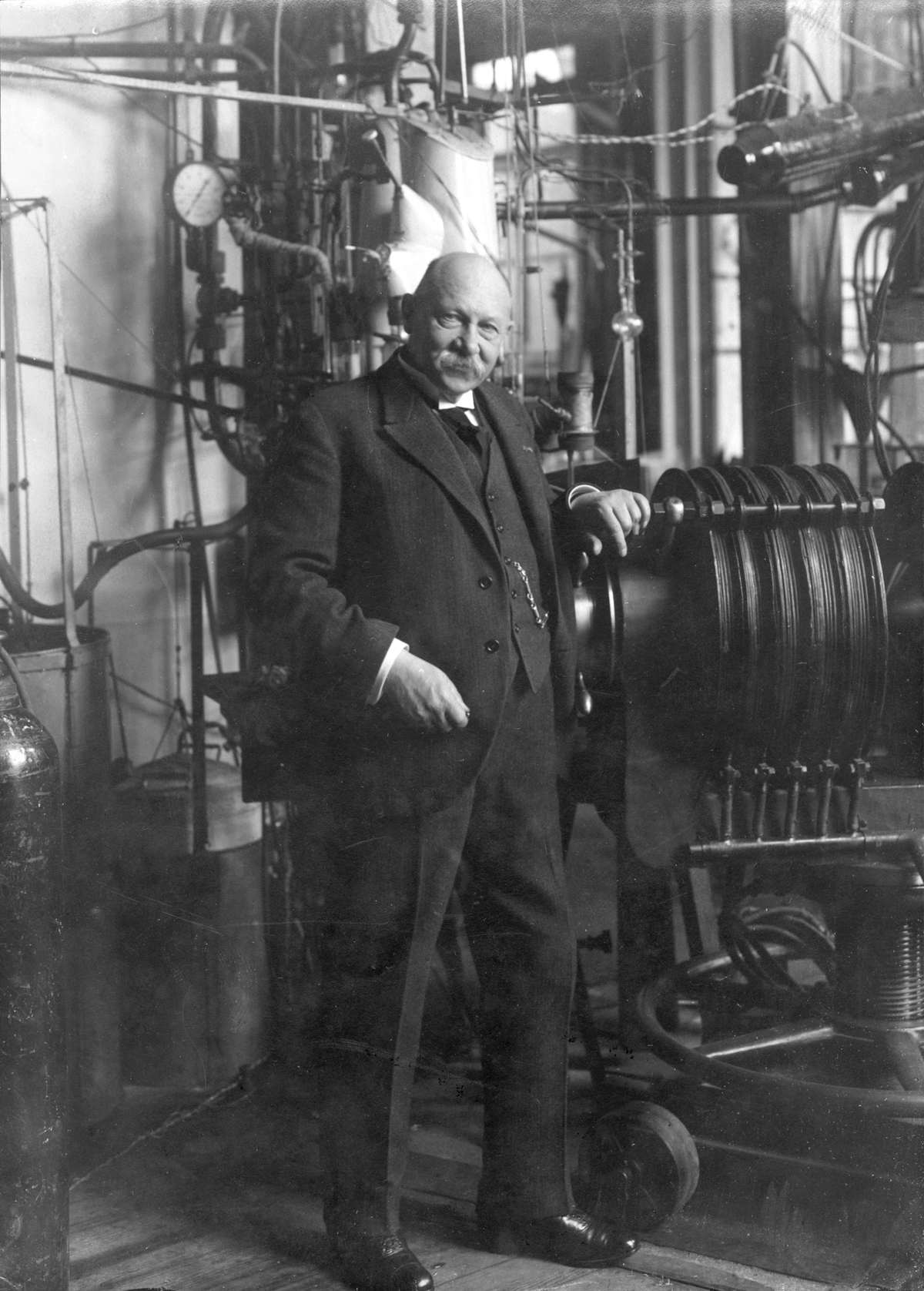 an analysis of superconductivity discovered by heike kamerlingh onnes in 1911