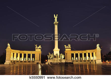 Stock Photography of Heroes Square by night k5550991.
