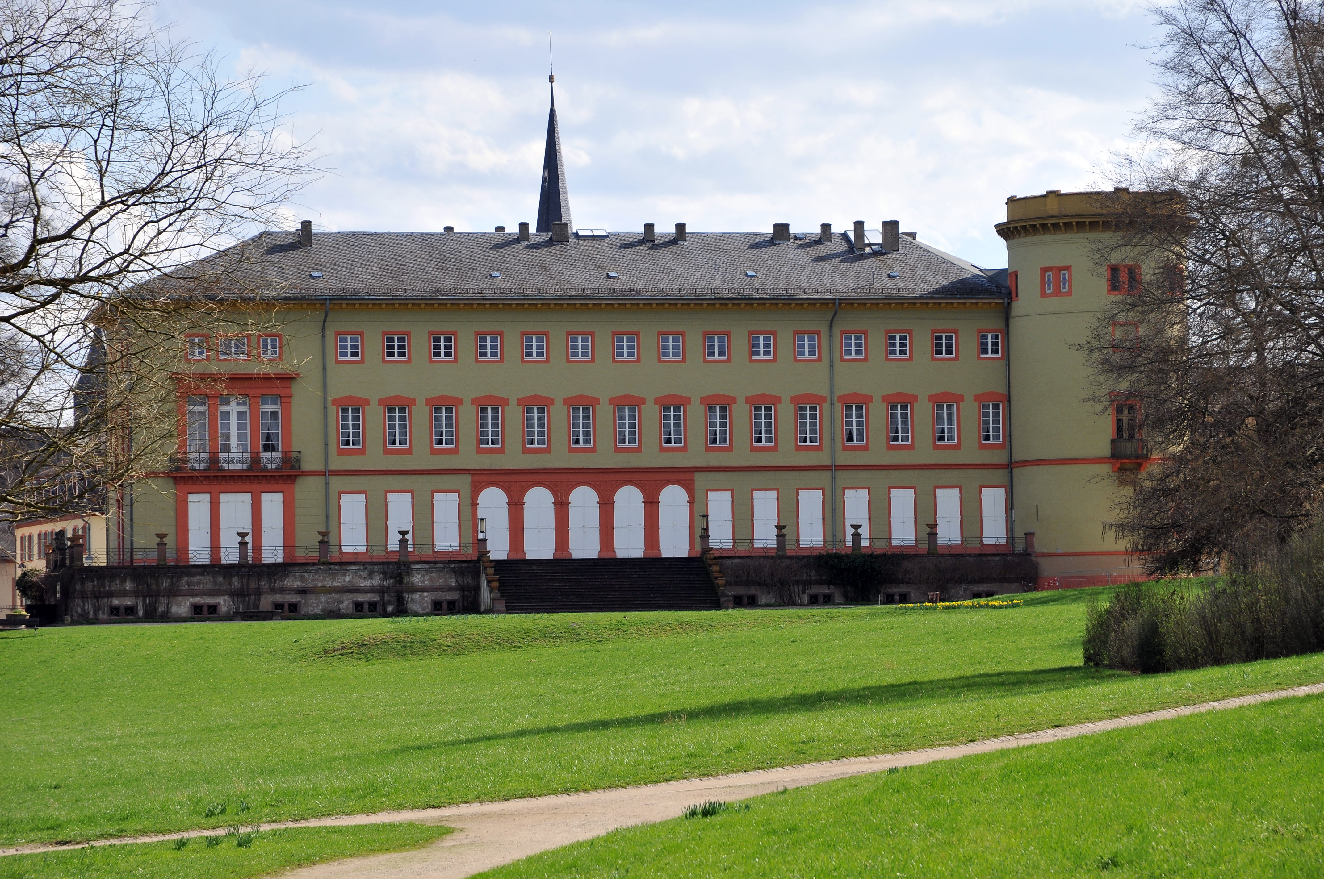 Palace of worms.