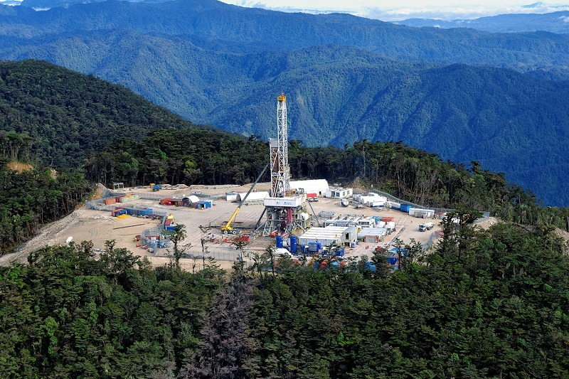 Santos to buy stake in P'nyang field for expansion of PNG LNG project.
