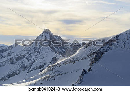 Pictures of Zillertal Alps in winter, Schrammacher seen from.