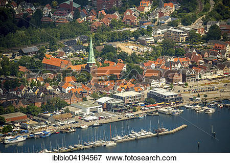 Picture of Historic centre and mole, Bay of Lubeck, Travemunde.