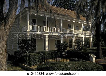 Stock Photo of Alabama, Eufaula, AL, The Tavern in Seth Lore.