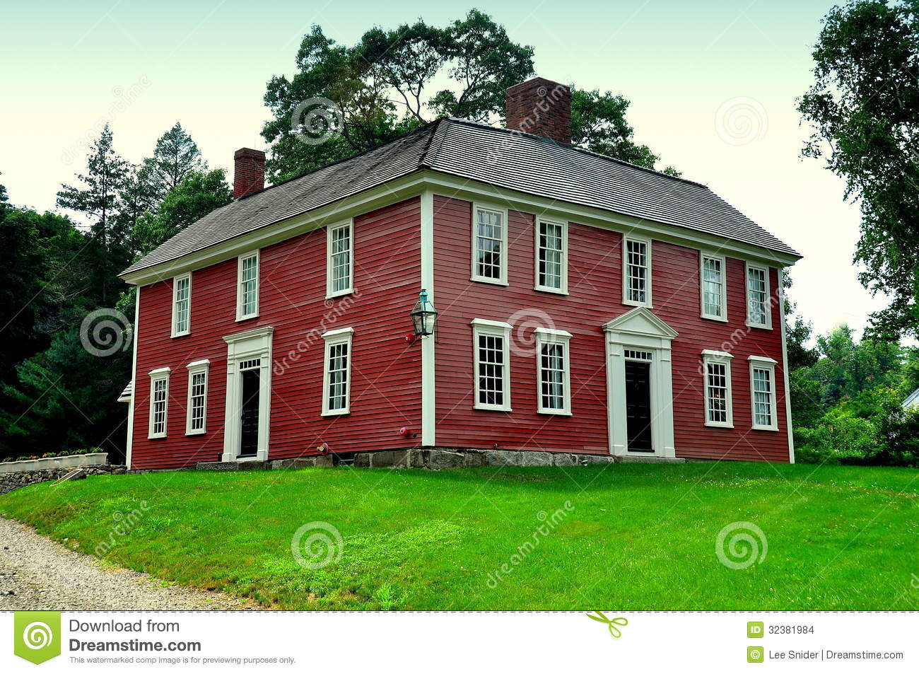 Lexington, Ma: Historic 1735 Munroe Tavern Stock Images.