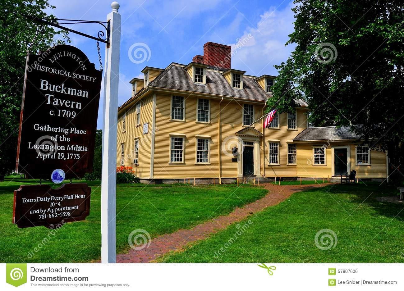 Lexington, Ma: Historic 1735 Munroe Tavern Stock Images.
