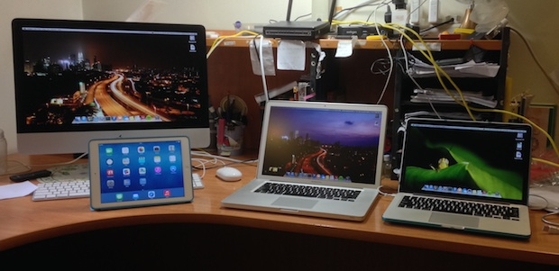Mac Setup: Desk of a Student & Hobbyist Photographer.