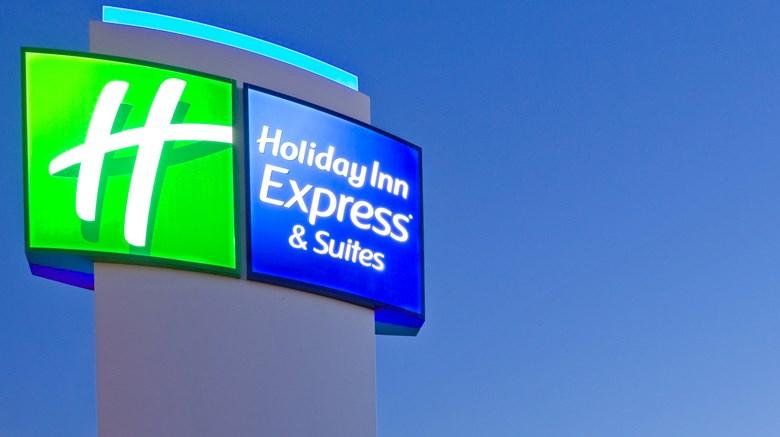 Holiday Inn Express & Suites Wapakoneta.